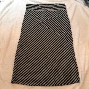 Black and gray maxi skirt